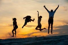 Gente en el salto fotografía de archivo libre de regalías