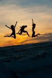 Gente en el salto Imagenes de archivo