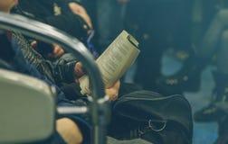 Gente en el subterráneo en Rusia Imagen de archivo libre de regalías