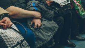 Gente en el subterráneo en Rusia Fotos de archivo libres de regalías