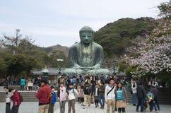 Gente en la estatua de Daibutsu imagen de archivo libre de regalías