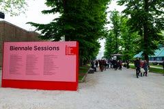 Gente en la 58.a exposici?n de arte internacional de Venecia bienal fotos de archivo libres de regalías