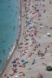 Gente en la playa en Niza, Francia Imagen de archivo