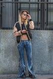 Gente en la semana 2016 de la moda de Milan Men Imágenes de archivo libres de regalías
