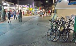 Gente en las calles de Creta Imagenes de archivo