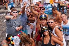 Gente en las calles de Rio de Janeiro durante carnaval Imágenes de archivo libres de regalías