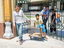 Gente en SAMARKAND, UZBEKISTÁN Fotos de archivo