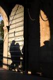 Gente en sombra fotografía de archivo