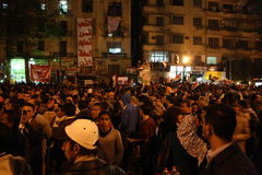 Gente en tahrir durante la revolución egipcia Imagen de archivo