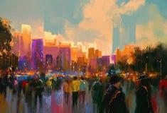 Gente en un parque de la ciudad en la puesta del sol Imagen de archivo libre de regalías