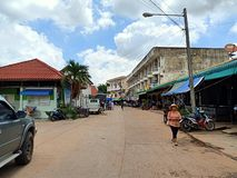 gente esan de Tailandia del mercado local del día de fiesta imagen de archivo