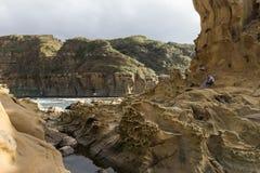 Gente, formaciones de roca extrañas y terreno en Keelung Fotos de archivo libres de regalías