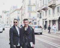 Gente fuera del edificio del desfile de moda de John Richmond para la semana 2015 de la moda de Milan Men Fotografía de archivo