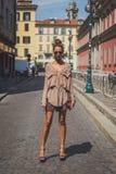 Gente fuera del edificio del desfile de moda de Missoni para el Fa de Milan Men Imagen de archivo