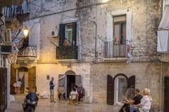 Gente italiana nella via in Italia del sud Fotografia Stock Libera da Diritti