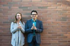 Gente joven con helado Fotografía de archivo libre de regalías