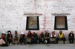 Gente maggiore tibetana in via di lhasa Fotografia Stock