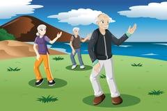 Gente mayor que ejercita la tai-ji al aire libre Imagenes de archivo
