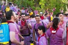 Gente mojada en Haro Wine Festival Fotos de archivo