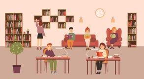 Gente o studenti astuti che legge e che studia alla biblioteca pubblica Uomini e donne che si siedono agli scrittori e sul sofà c illustrazione vettoriale