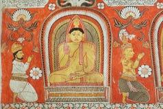 Gente que adora a Buda en fresco del templo del siglo XIV Lankatilaka Vihara con las paredes adornadas Herencia de Sri Lanka Fotografía de archivo libre de regalías