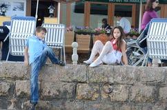 Gente que da une vuelta en Bitola imagen de archivo libre de regalías