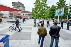 Gente que da une vuelta en Bitola Fotografía de archivo