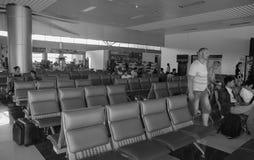 Gente que espera en el aeropuerto de Lien Khuong en Dalat, Vietnam Fotografía de archivo libre de regalías