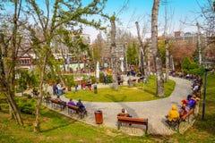 Gente que goza en el parque de Kugulu fotos de archivo libres de regalías