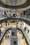 Gente que hace compras en Melbourne Foto de archivo libre de regalías