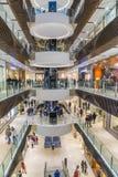Gente que hace compras en Melbourne Foto de archivo