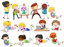 Gente que hace diversas actividades stock de ilustración
