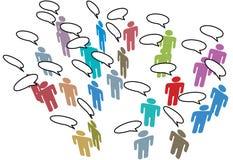 Gente que hace frente a discurso social de la red de los media Imagen de archivo