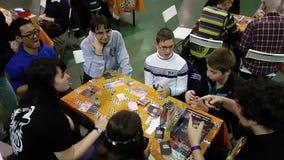 Gente que juega al juego de tabla en el festival de Gamefilmexpo metrajes