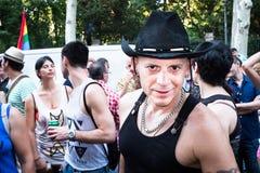Gente que participa en el desfile de orgullo gay en Madrid Fotografía de archivo libre de regalías