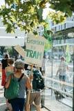 Gente que protesta contra la contaminación atmosférica Fotos de archivo