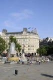 Gente que visita el cuadrado trafalgar en Londres Reino Unido Imagen de archivo