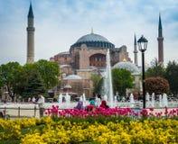 Gente que visita las vistas 26 de abril de 2015 en Estambul, Turquía Fotografía de archivo