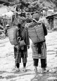 Gente real en Vietnam, en blanco y negro Imagenes de archivo
