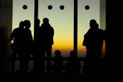 Gente retroiluminada de la muchedumbre Fotos de archivo