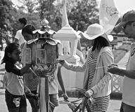 Gente tailandese a Wat Huay Mongkol fotografia stock