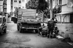 Gente y calles de la ciudad de Cinarcik - Turquía Fotos de archivo