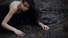 Gente y naturaleza de muerte Concepto de la ecología almacen de video