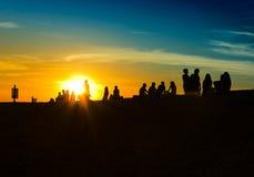 Gente y sol imagen de archivo libre de regalías
