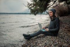 Gente y tecnología foto de archivo libre de regalías