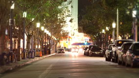 Gente y tráfico (lapso de la calle de la ciudad de tiempo) almacen de metraje de vídeo