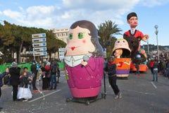 GENTIL, FRANCES - 26 FÉVRIER : Carnaval de Nice en Côte d'Azur Le thème pour 2013 était roi des cinq continents Images stock