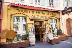 Gentil, la France - 18 avril 2017 Boutique de souvenirs locale en Côte d'Azur agréable et, France photographie stock