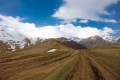 Gentil la vallée de Gergeti en Géorgie Photo libre de droits