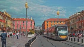 GENTIL - 5 MAI : Verrouillé en bas du tir de l'endroit Massena, le 5 mai 2018 à Nice, Frances tramway clips vidéos